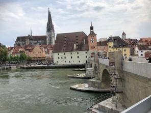 Вид из-за Дуная